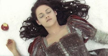 Snow White and the Huntsman Kristen Stewart Kiss Apple Death